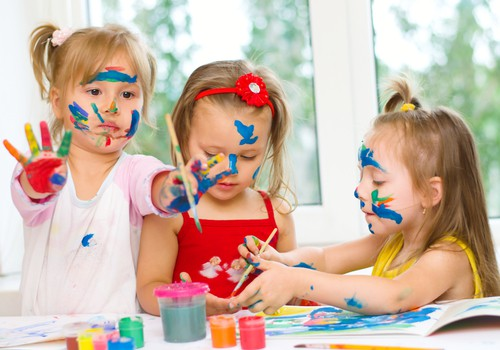 February weekday events kids painting DP